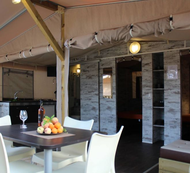 SAFARI LODGETENT